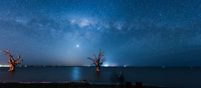 Chasing the Milky Way in Lake Bonney